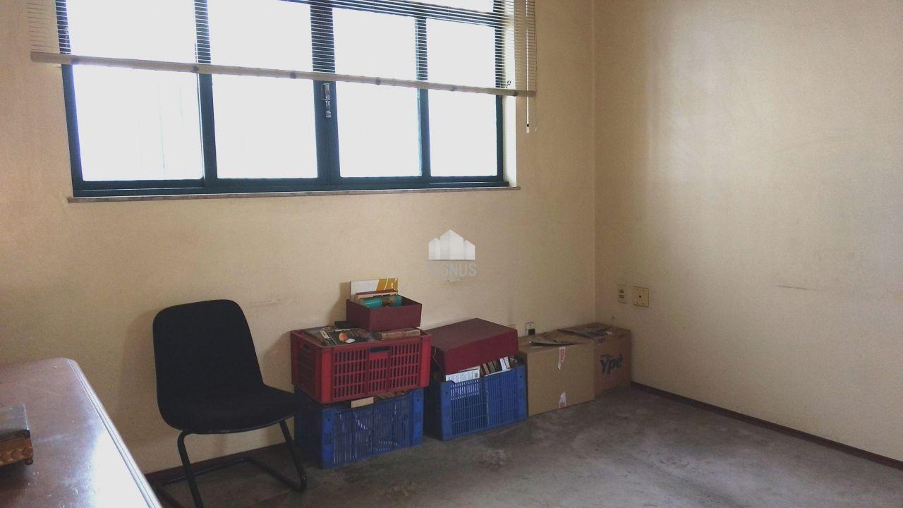 Ponto comercial com 7 Dormitórios para alugar, 344 m² por R$ 8.000,00