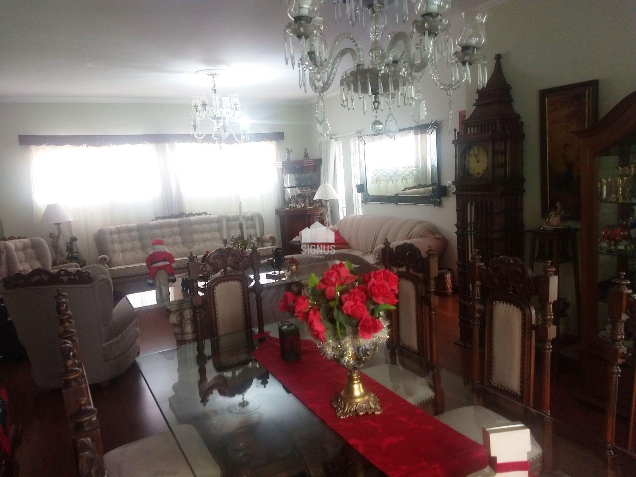 Casa com 3 Dormitórios à venda, 200 m² por R$ 650.000,00