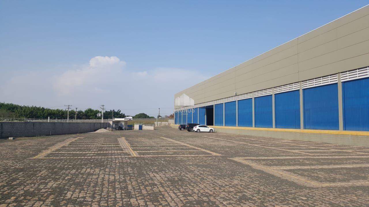 Pavilhão/galpão/depósito com 10 Dormitórios para alugar, 5.400 m² por R$ 108.000,00
