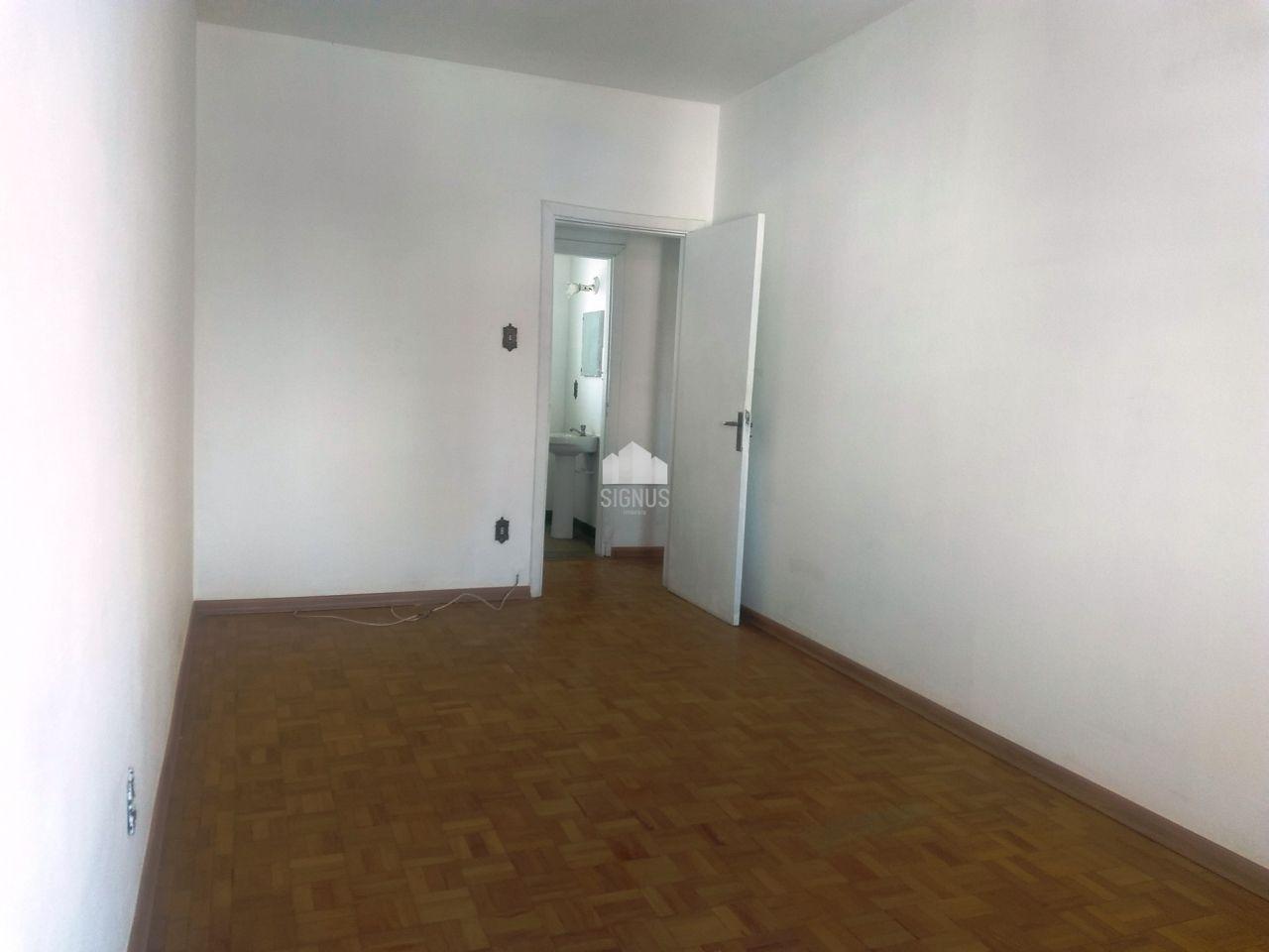 Apartamento com 2 Dormitórios à venda, 90 m² por R$ 300.000,00