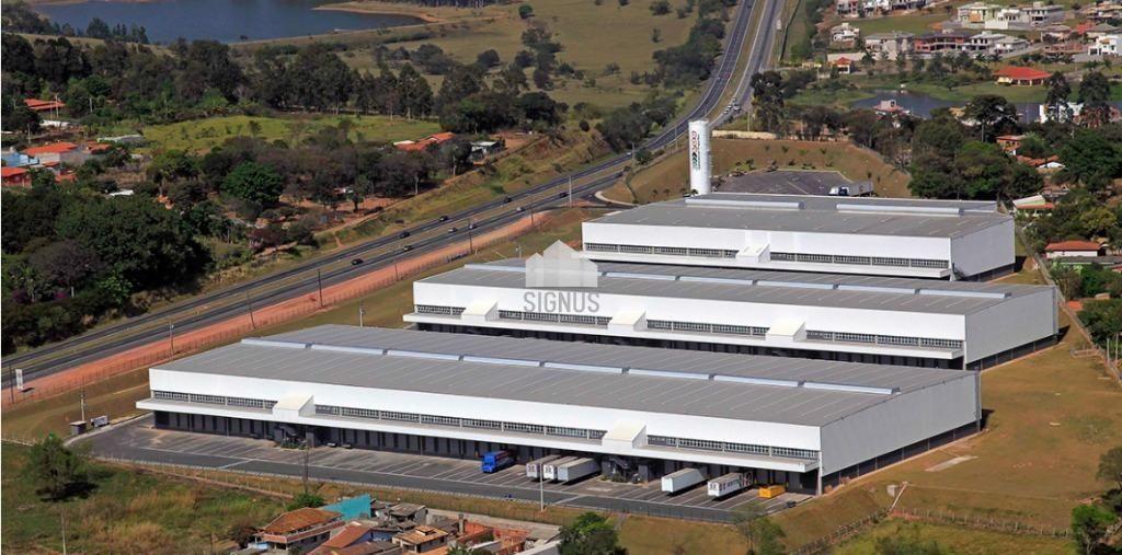 Pavilhão/galpão/depósito com 10 Dormitórios para alugar, 1.388 m² por R$ 24.990,00