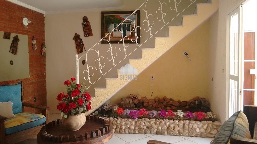 Casa com 4 Dormitórios à venda, 400 m² por R$ 800.000,00