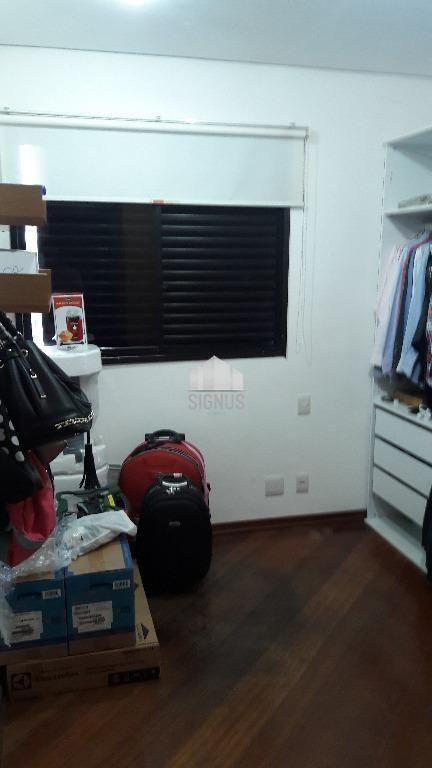 Apartamento com 4 Dormitórios à venda, 240 m² por R$ 1.000.000,00