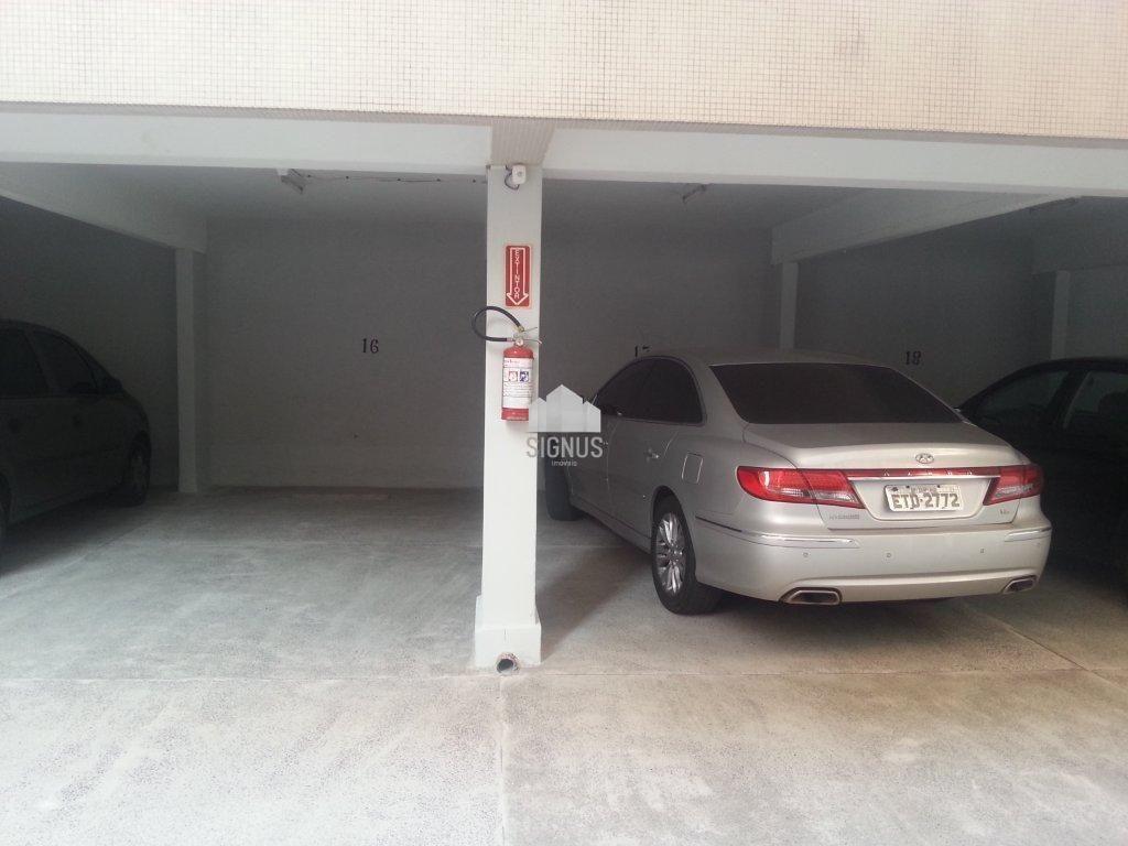 Apartamento com 3 Dormitórios para alugar, 243 m² por R$ 3.200,00