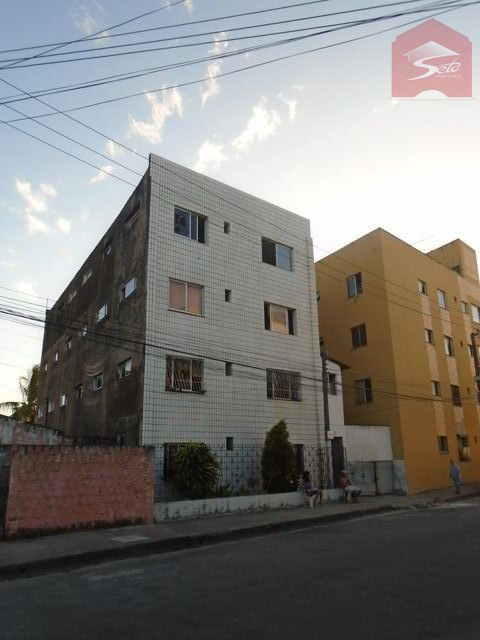 Apartamento para alugar  no Vila Peri - Fortaleza, CE. Imóveis