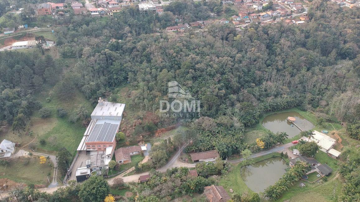 Terreno/Lote à venda  no Laranjeiras - Rio do Sul, SC. Imóveis