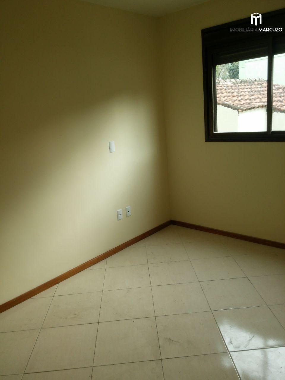 Apartamento com 2 Dormitórios à venda, 72 m² por R$ 275.600,00