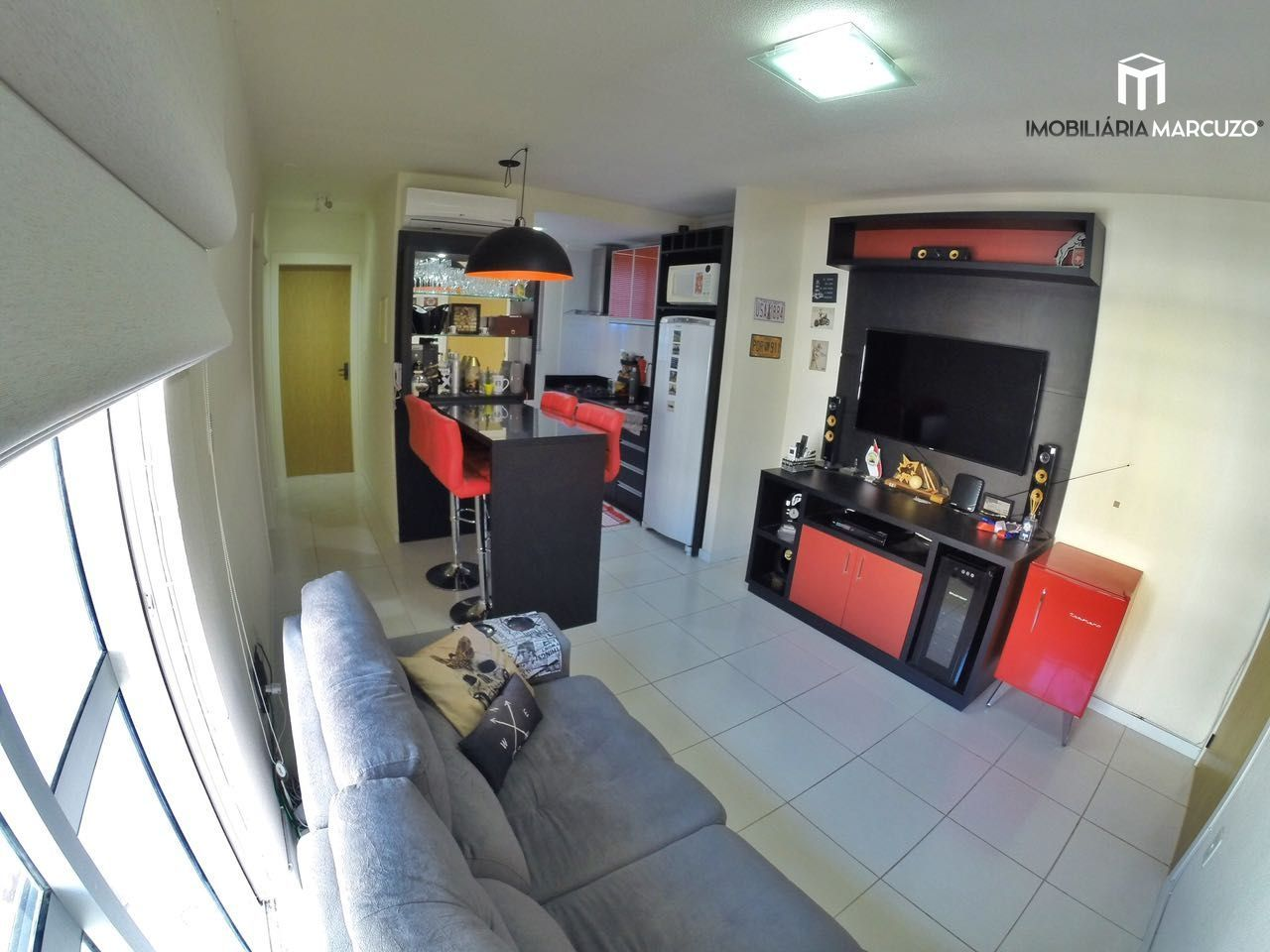 Apartamento com 2 Dormitórios à venda, 50 m² por R$ 215.000,00