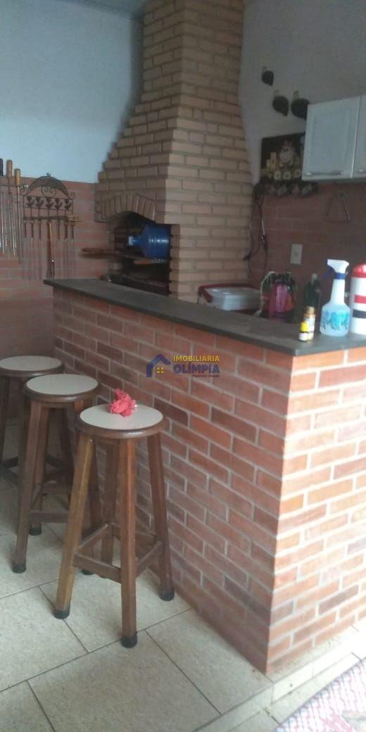 Casa com 5 Dormitórios à venda, 396 m² por R$ 590.000,00