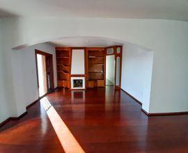 Sala de estar c/ lareira