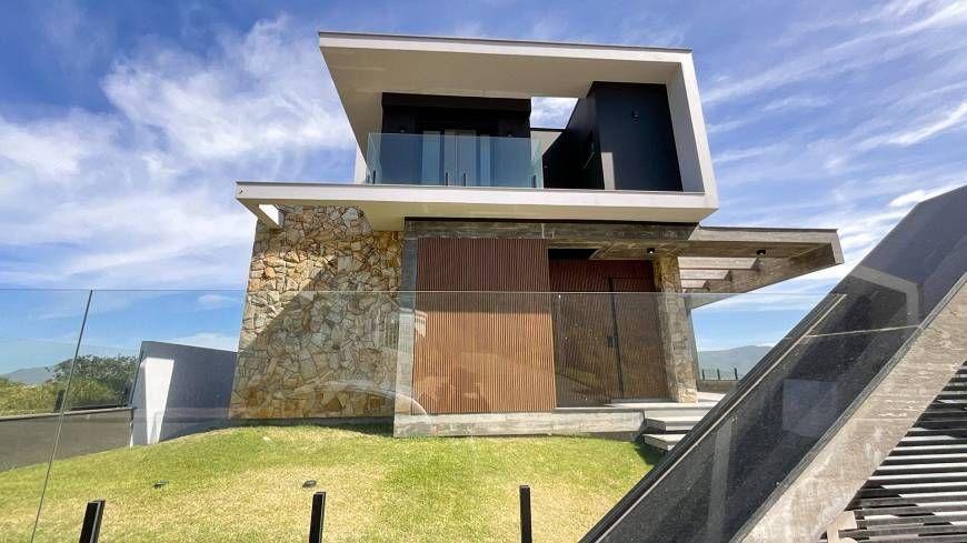 Casa à venda  no Vigia - Garopaba, SC. Imóveis