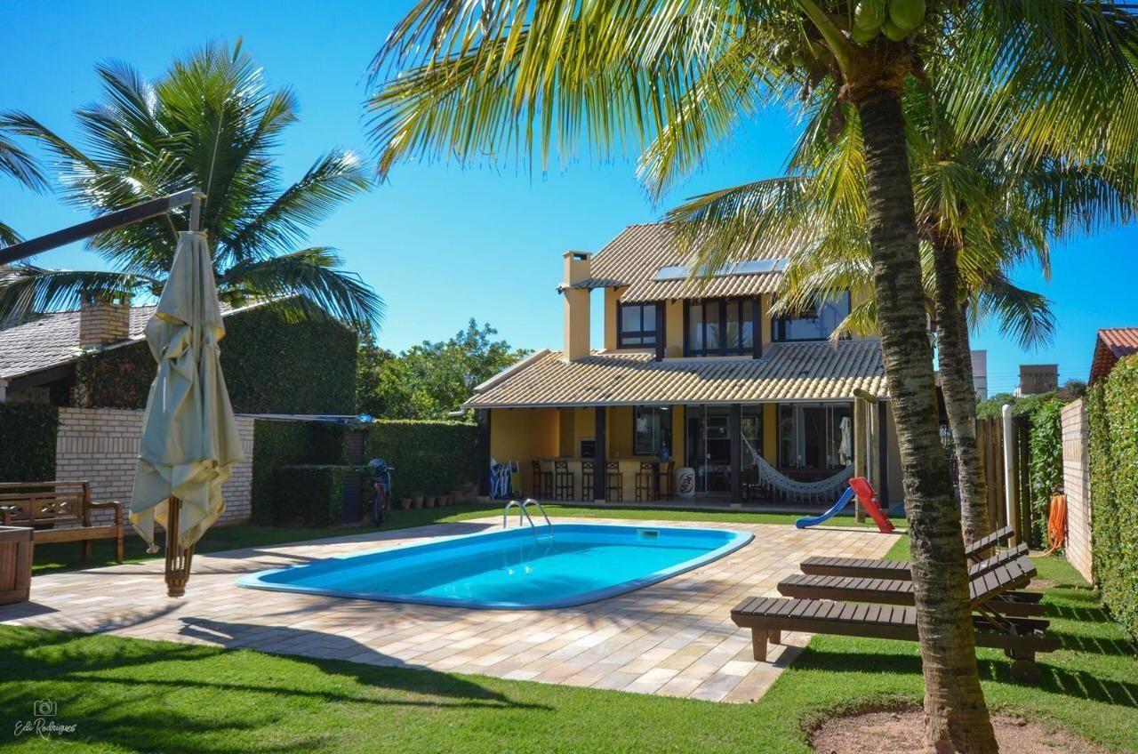 Casa com 4 Dormitórios para alugar, 200 m² por R$ 1.800,00