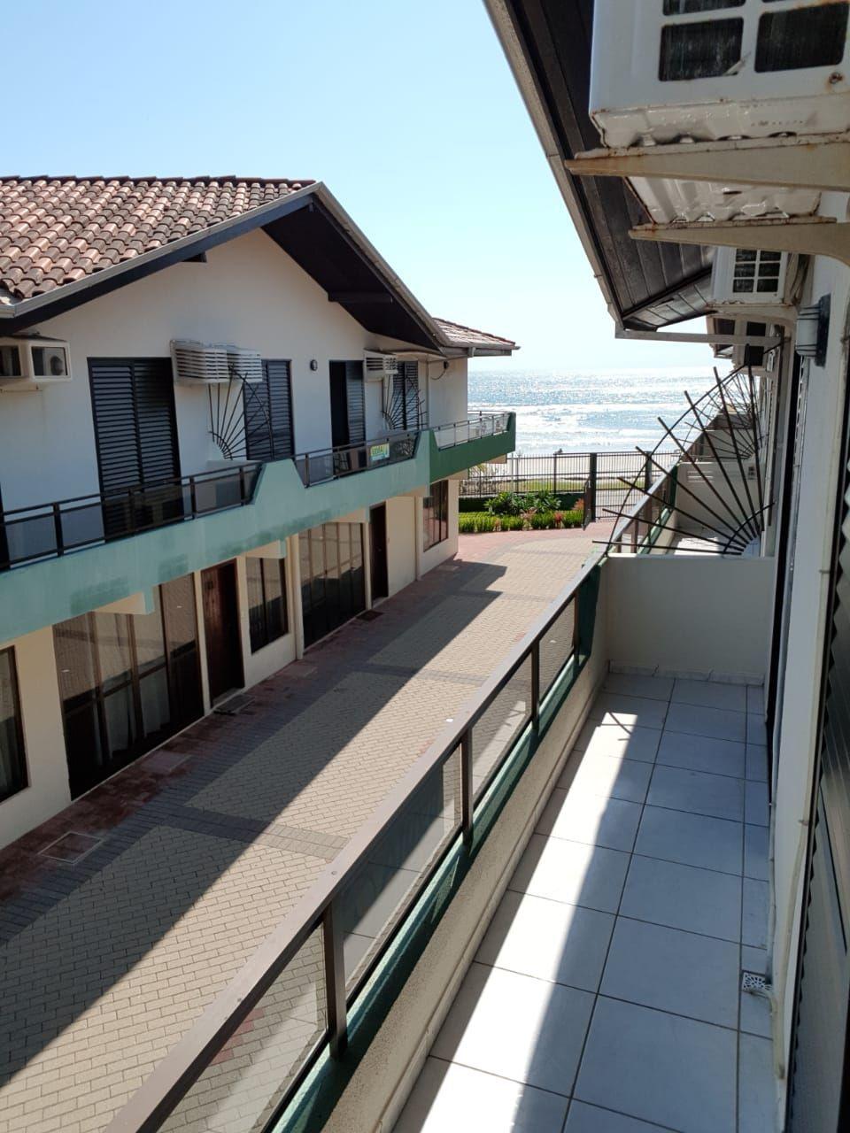 Sobrado com 3 Dormitórios para alugar, 99 m² por R$ 700,00