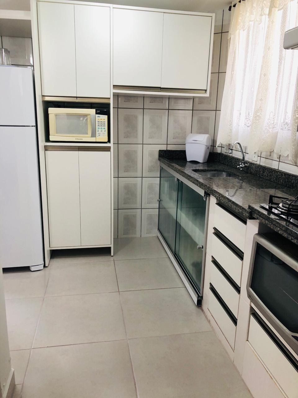 Apartamento com 2 Dormitórios para alugar, 85 m² por R$ 180,00