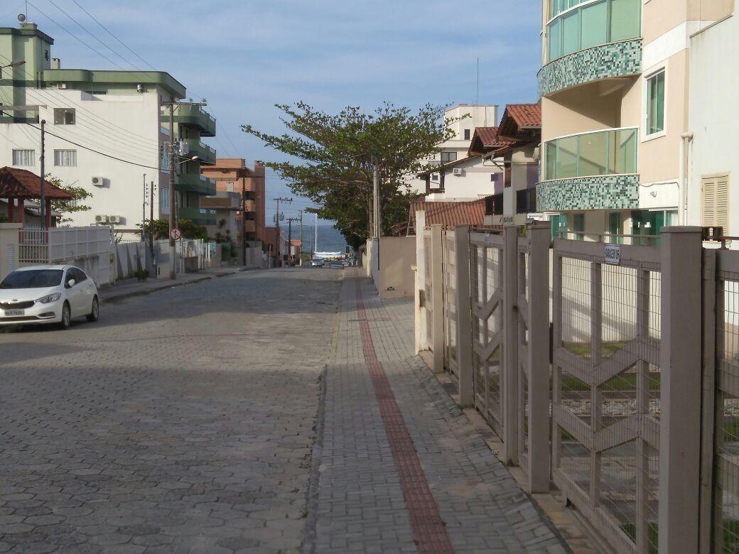 Kitinets/Conjugados para alugar  no Bombas - Bombinhas, SC. Imóveis