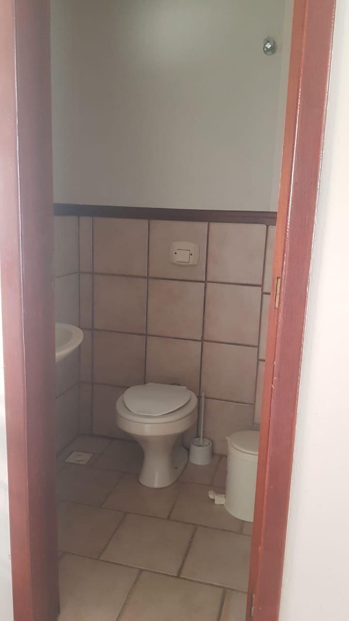 Apartamento com 2 Dormitórios para alugar, 80 m² por R$ 400,00