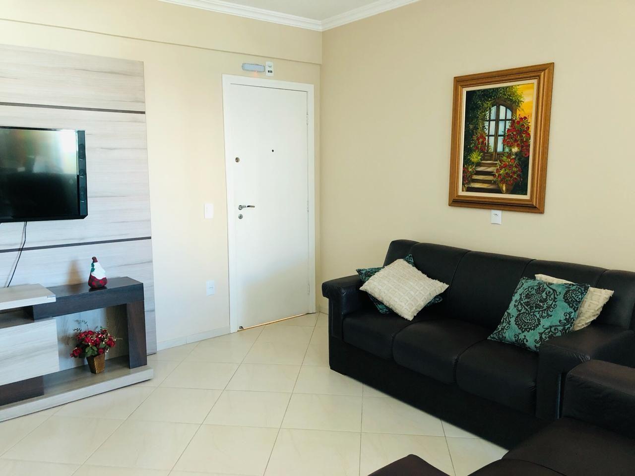 Apartamento com 3 Dormitórios para alugar, 110 m² por R$ 650,00