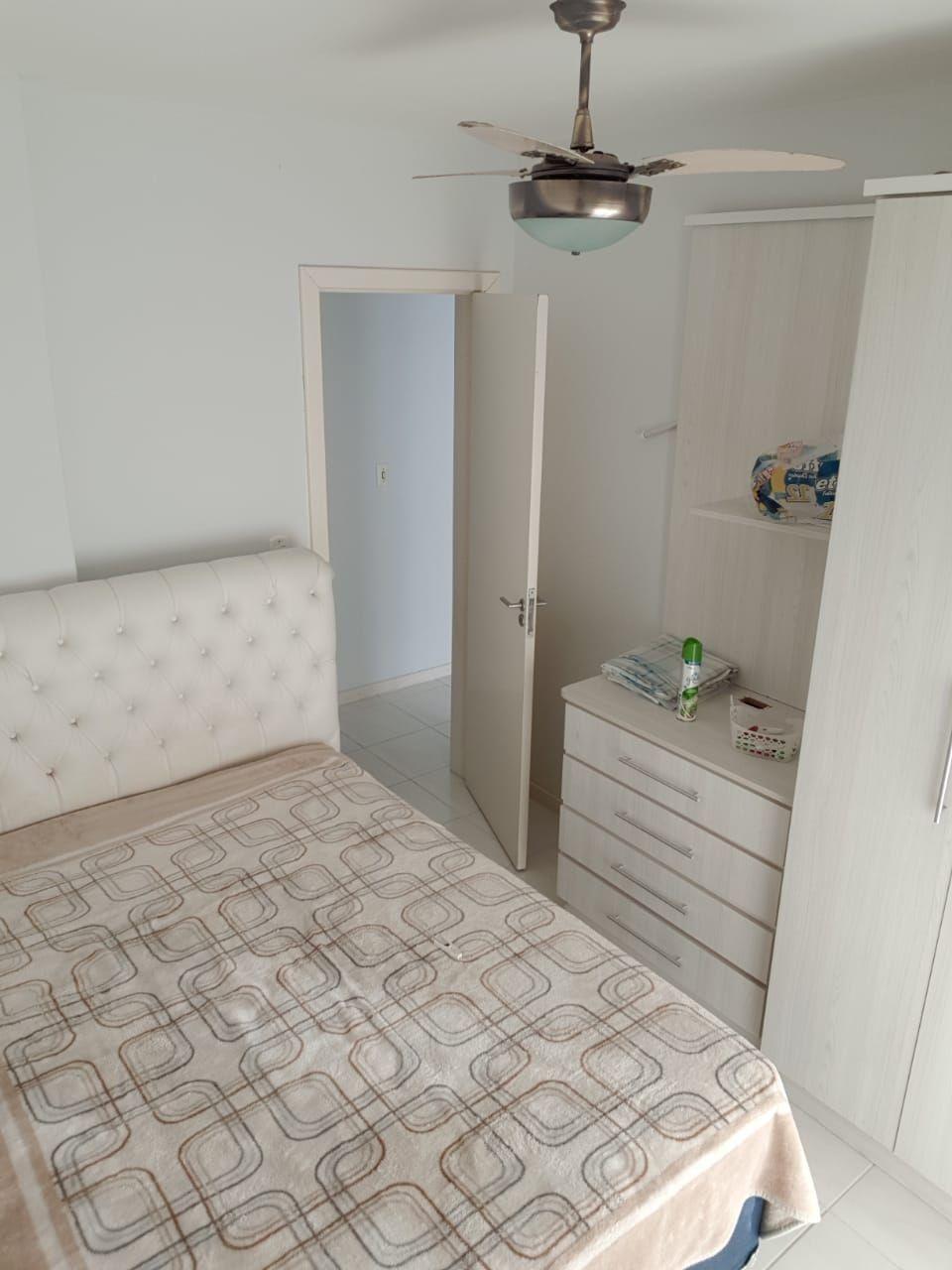 Apartamento com 3 Dormitórios para alugar, 99 m² por R$ 600,00