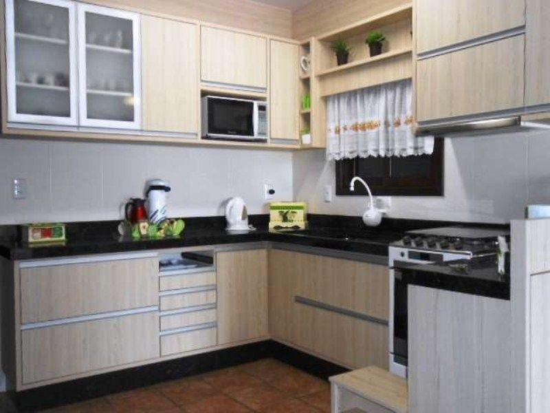 Casa com 5 Dormitórios para alugar, 150 m² por R$ 1.700,00