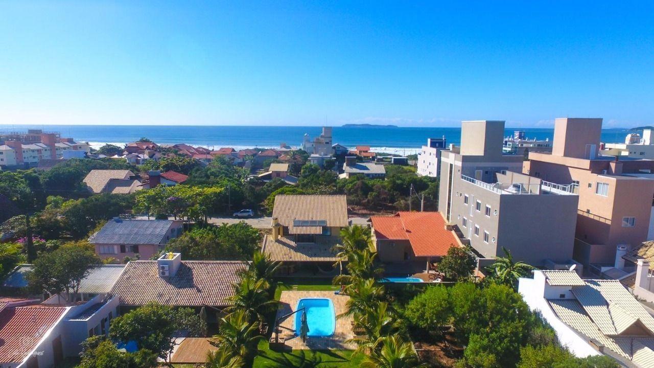 Casa com 3 Dormitórios para alugar, 100 m² por R$ 1.500,00