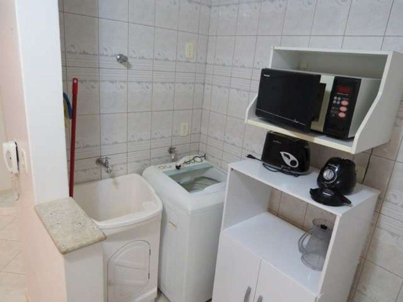 Apartamento com 2 Dormitórios para alugar, 60 m² por R$ 400,00