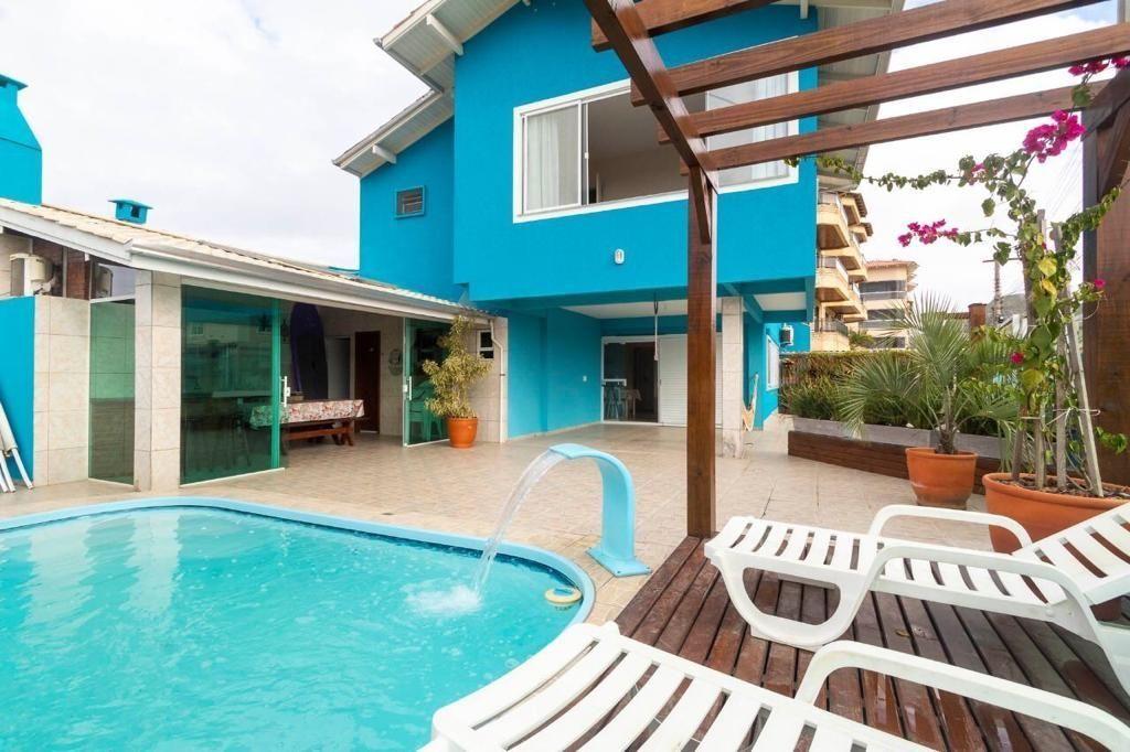 Casa à venda  no Canto Grande - Bombinhas, SC. Imóveis