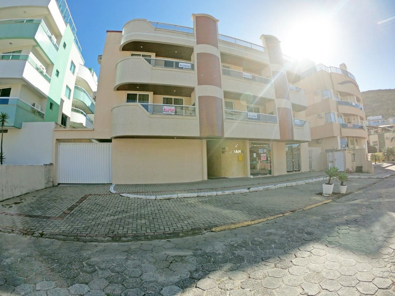 Apartamento para alugar  no Bombas - Bombinhas, SC. Imóveis