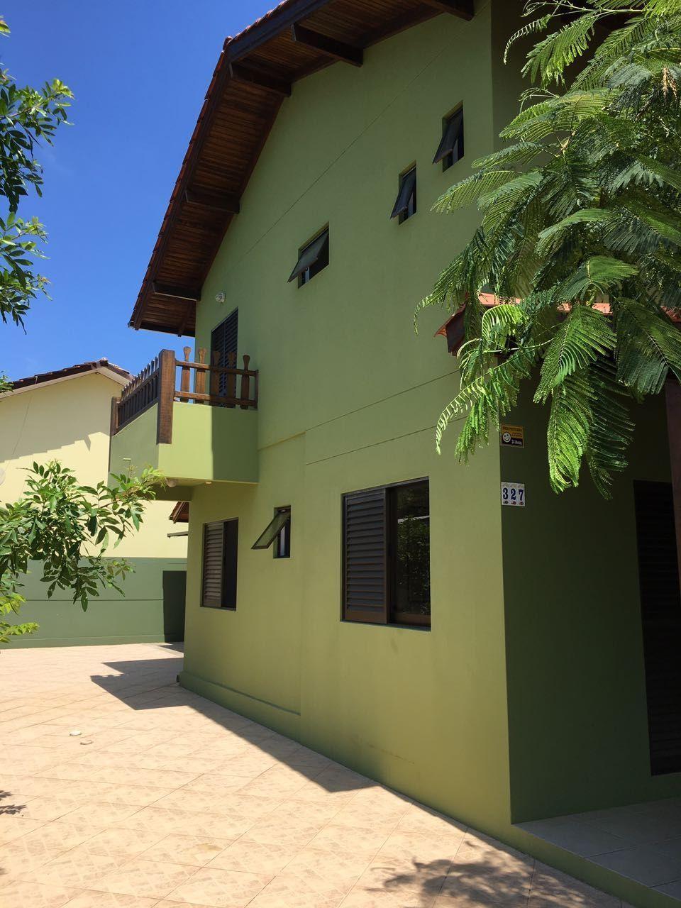 Casa à venda  no Bombas - Bombinhas, SC. Imóveis
