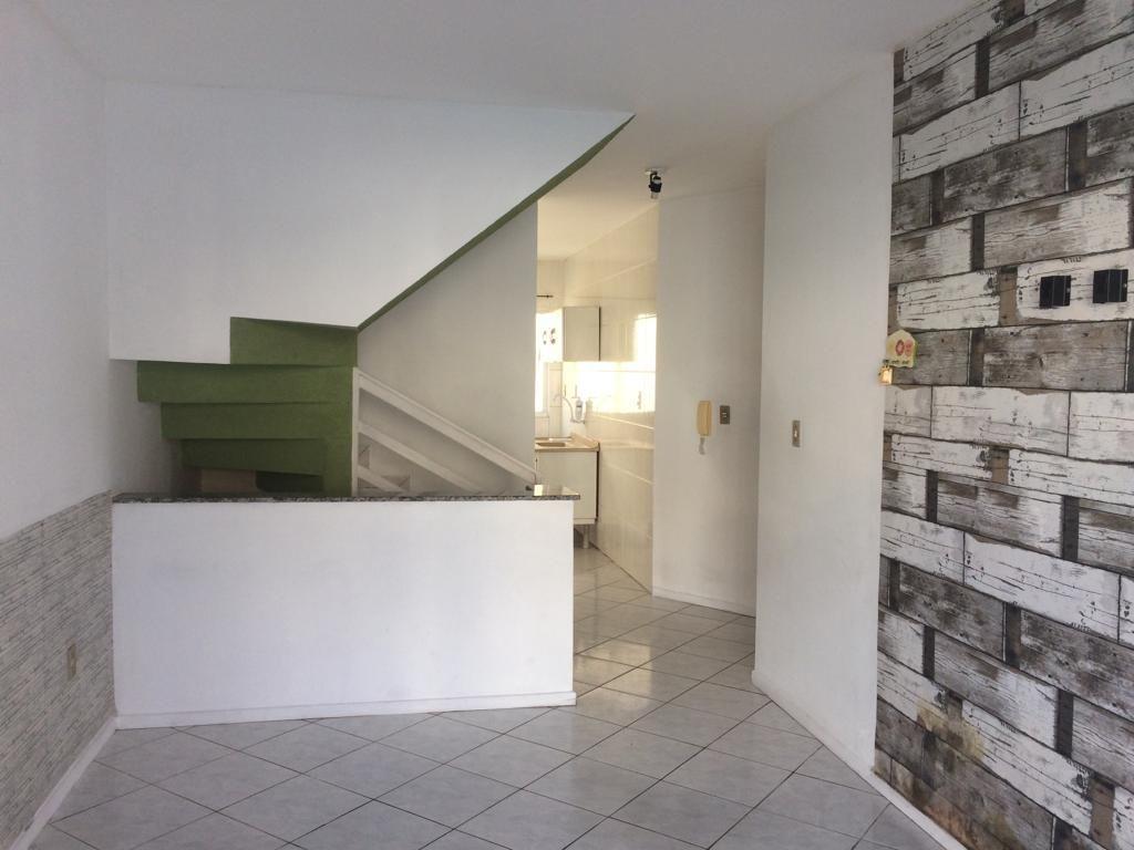 Apartamento com 2 Dormitórios à venda, 72 m² por R$ 270.000,00