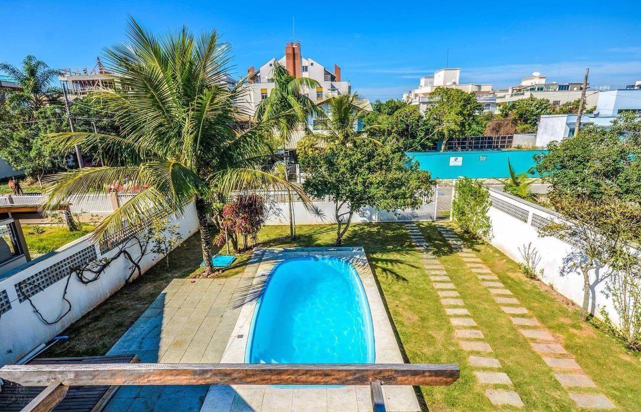 Casa à venda  no Mariscal - Bombinhas, SC. Imóveis