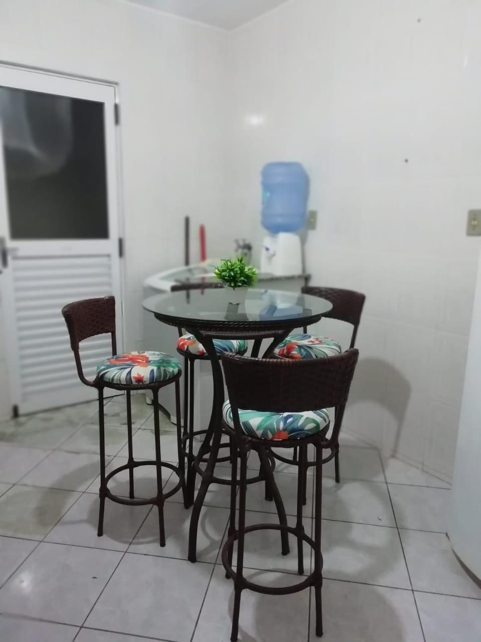 Apartamento com 2 Dormitórios para alugar, 75 m² por R$ 1.500,00