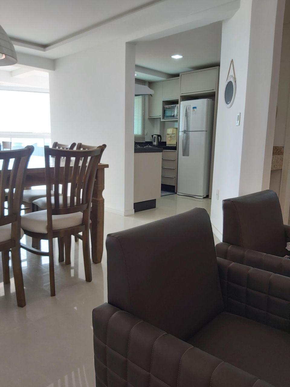 Apartamento com 3 Dormitórios para alugar, 110 m² por R$ 600,00