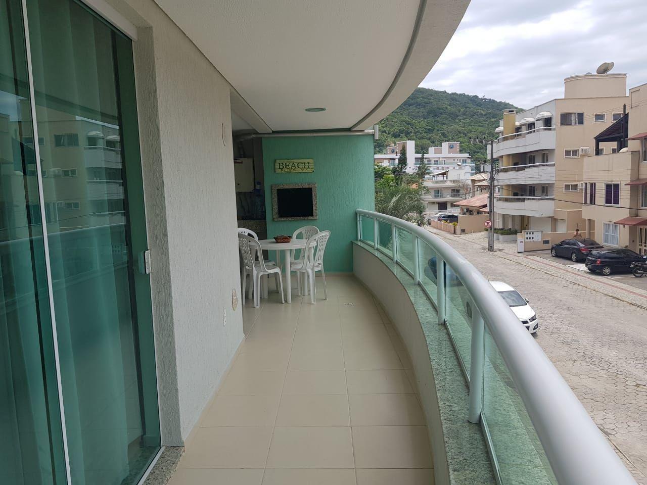 Apartamento com 3 Dormitórios para alugar, 100 m² por R$ 750,00