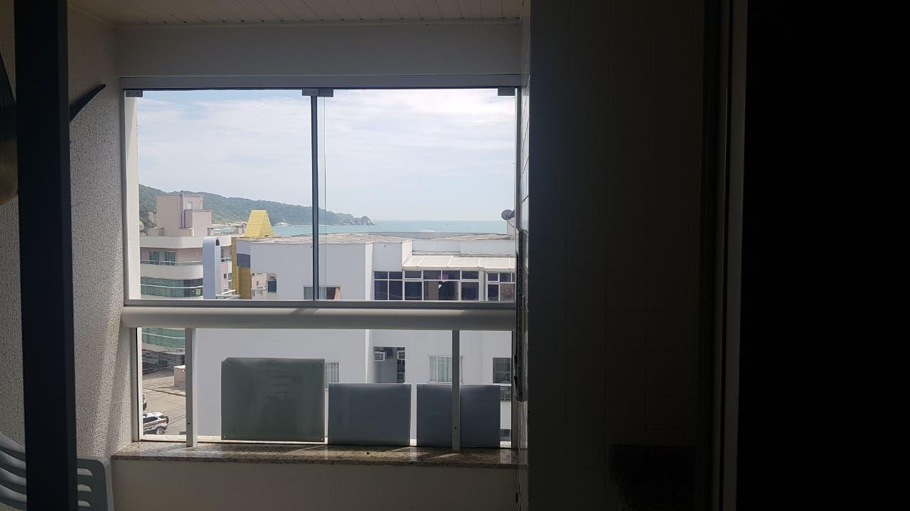 Apartamento com 3 Dormitórios para alugar, 99 m² por R$ 550,00