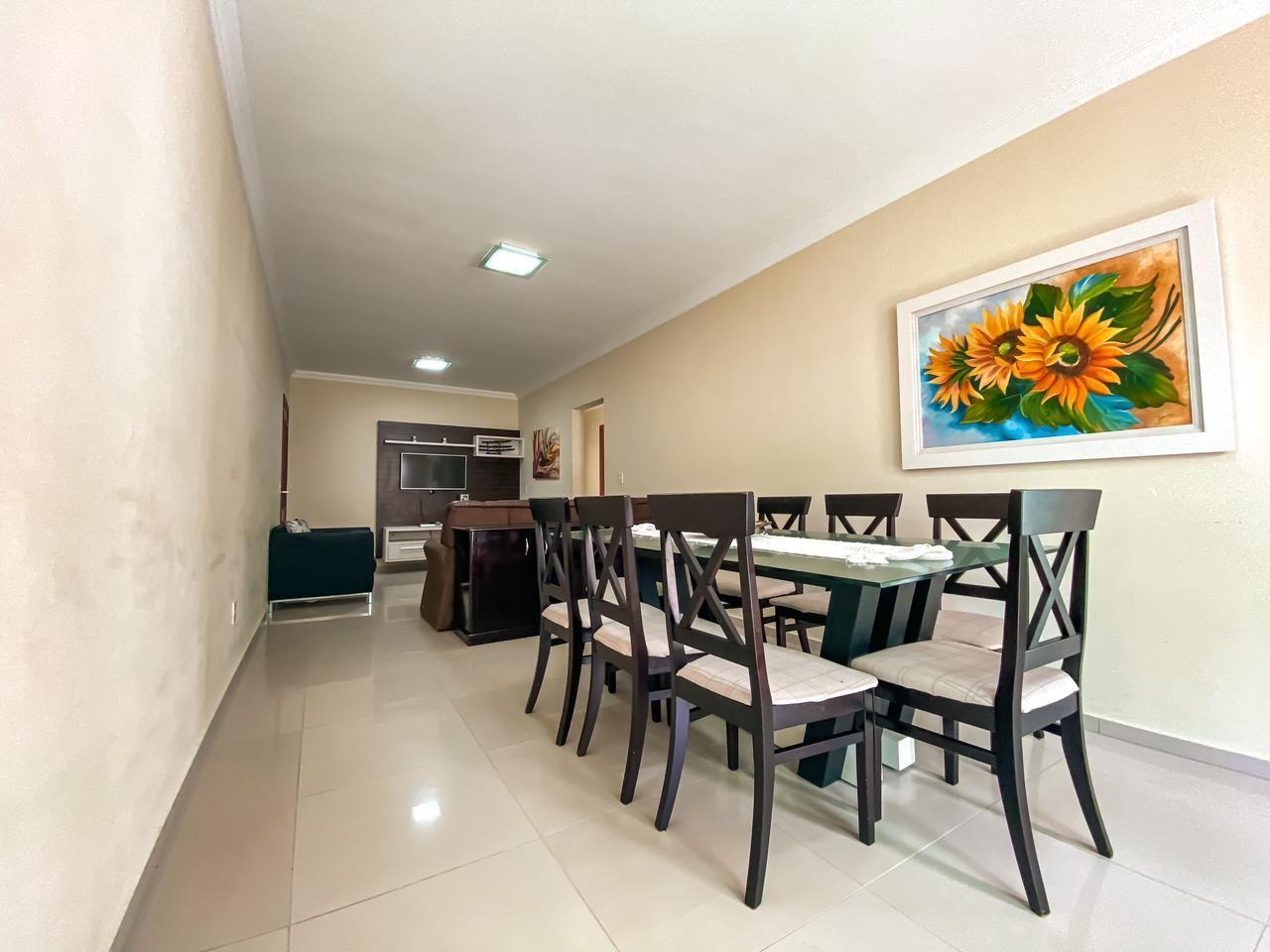 Apartamento com 3 Dormitórios para alugar, 100 m² por R$ 200,00