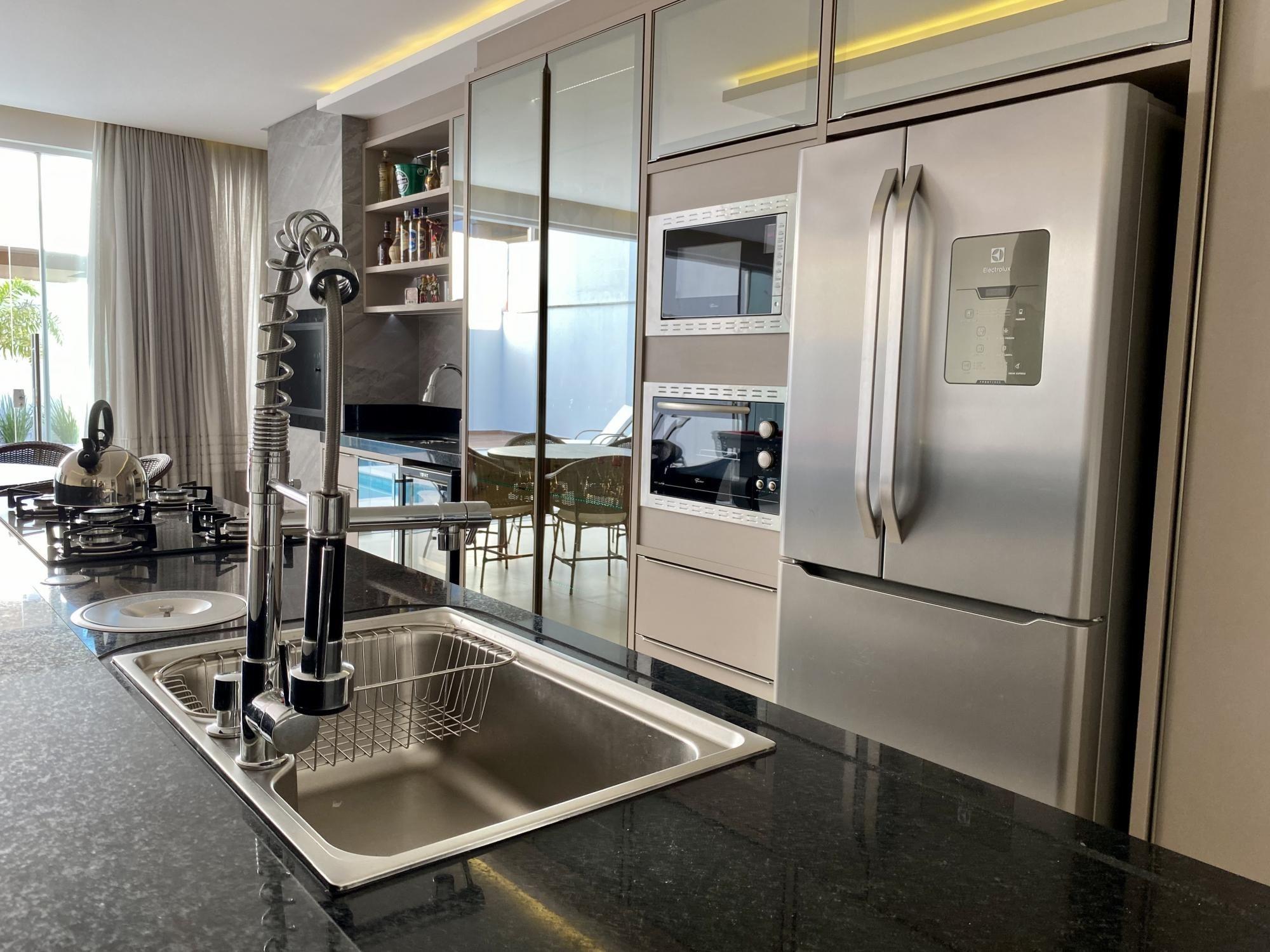 Casa com 3 Dormitórios à venda, 320 m² por R$ 1.800.000,00