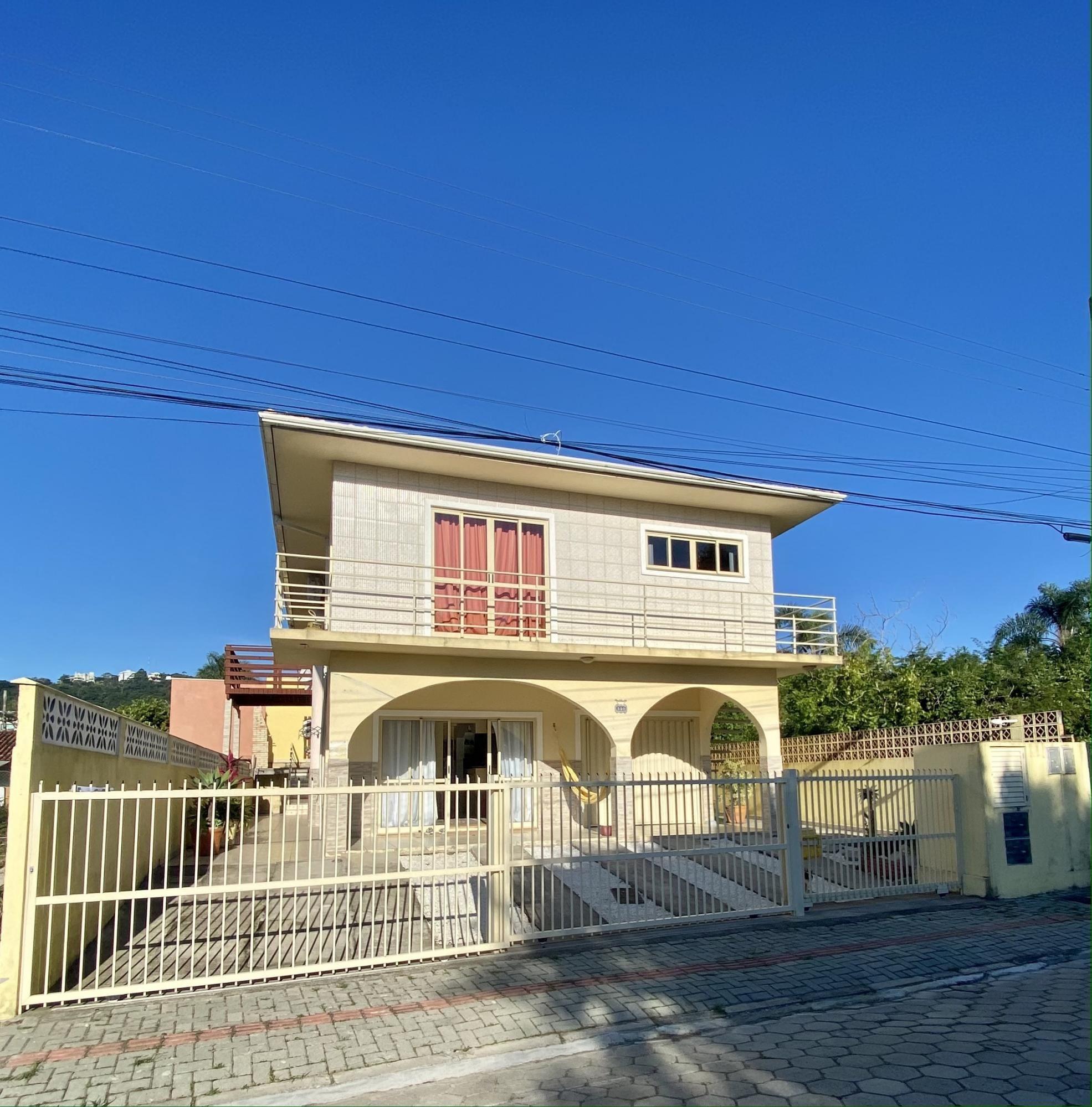 Casa com 6 Dormitórios à venda, 250 m² por R$ 960.000,00