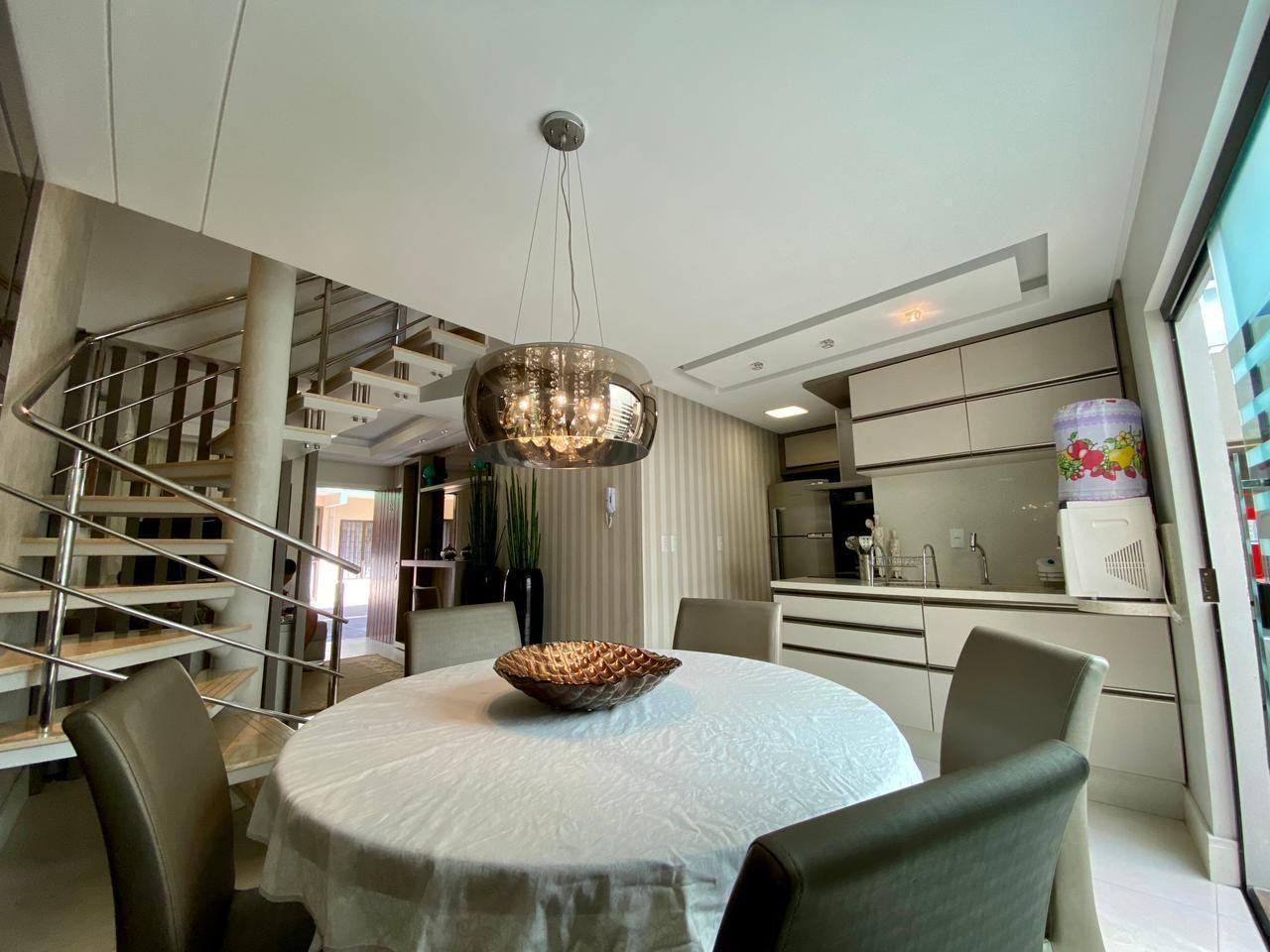 Apartamento com 3 Dormitórios para alugar, 95 m² por R$ 280,00