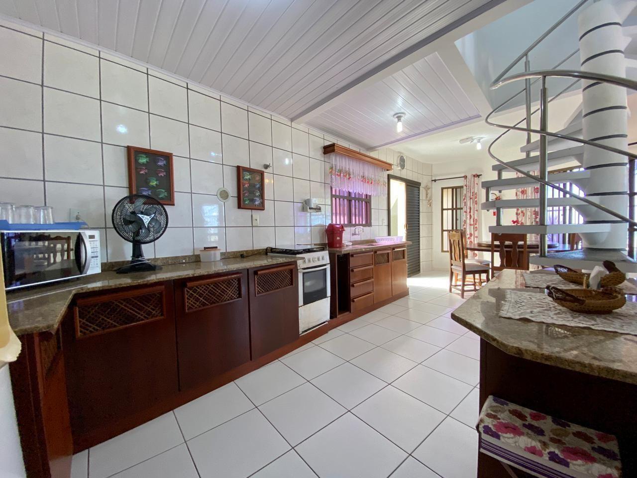 Apartamento com 3 Dormitórios para alugar, 100 m² por R$ 500,00