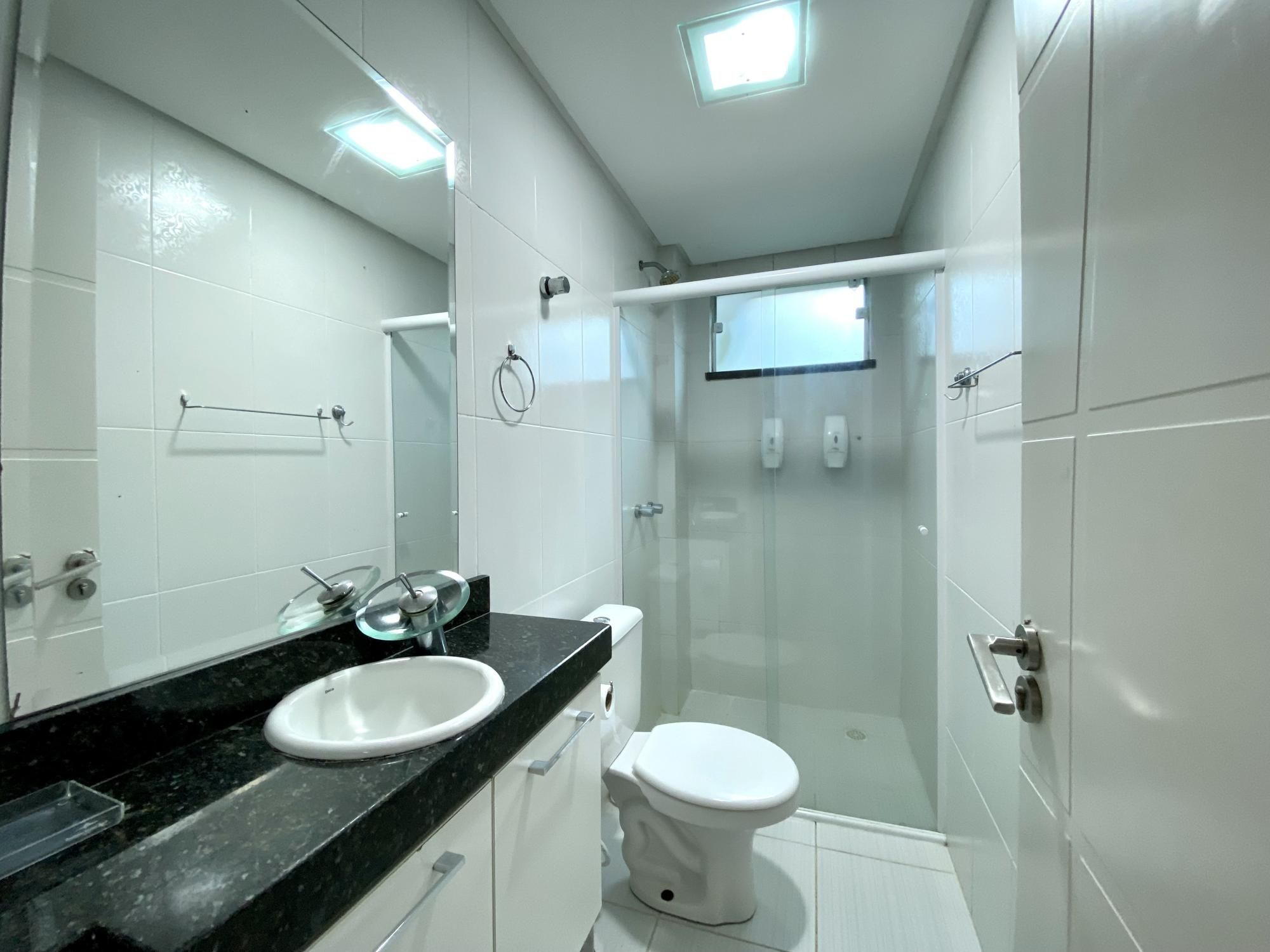 Apartamento com 1 Dormitórios para alugar, 44 m² por R$ 180,00
