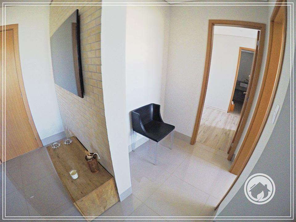 Apartamento com 2 Dormitórios à venda, 66 m² por R$ 307.000,00