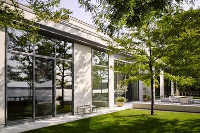 Casa à beira do lago une arte, arquitetura e natureza nos EUA